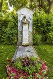 Grav av kompositören Johannes Brahms i kyrkogård i Wien royaltyfri bild