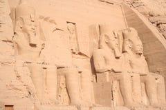 Grav för Abu simbelfarao i Egypten arkivbild