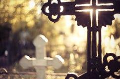 Grav- kors på kyrkogården Royaltyfri Fotografi