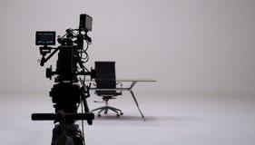 Gravação do anúncio de televisão e grupo da câmera de filme fotografia de stock