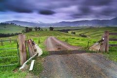 Grava del camino de la rejilla de BTops Fotos de archivo