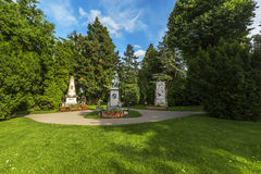 Gravar av kompositörer som är berömda på den Zentralfriedhof kyrkogården i VI Royaltyfria Bilder