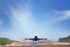 Gravar el aeroplano Imagenes de archivo