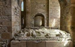 Gravar i abbotskloster av Fontenay royaltyfri bild