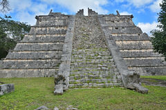 The grave of the priest. Mayan archeological site of Chichen Itz Stock Photography