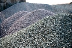 Free Gravel Gray Stone Textures Asphalt Mix Concrete In Road Construction. Pile Rock And Stone For Industrial Stock Images - 113142424
