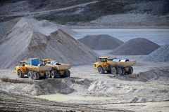 Gravel Pit machines and trucks Royalty Free Stock Photos