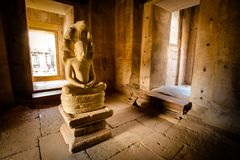 Graven beeldbrahmaan in de werelderfenis Prasat Hin Phimai, Th royalty-vrije stock foto's