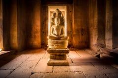 Graven beeldbrahmaan in de werelderfenis Prasat Hin Phimai, Th stock afbeelding
