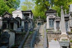 Graven Cimetiere du Pere Lachaise stock foto's