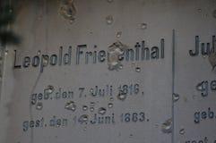 Graven in de oude Joodse begraafplaats in Wroclaw, Wroclaw, Polen, Europa 2018 stock fotografie