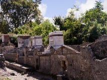 Graven door de stadsmuren van Pompei Royalty-vrije Stock Afbeeldingen