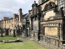 Graven in Greyfriars Kirkyard - Edinburgh - Schotland royalty-vrije stock afbeelding