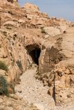Graven in Petra, Jordanië stock foto