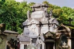 Graven van Montmartre-Begraafplaats in Parijs Royalty-vrije Stock Foto's