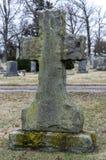Gravestone krzyż w cmentarzu 3 obraz stock
