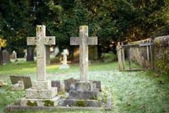 gravestones två royaltyfri bild