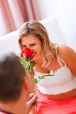 gravid lukta kvinnabarn för blomma Royaltyfri Foto