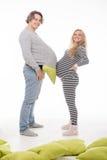 Gravid modekvinna med maken Arkivfoton