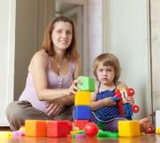 Gravida moderspelrum med barnet Royaltyfri Fotografi