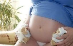 Gravidity de femme Photographie stock libre de droits