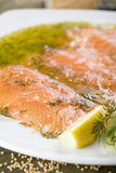 Gravlax - salmón Imagenes de archivo