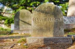 Gravsten av Nathaniel Hawthorne arkivfoto