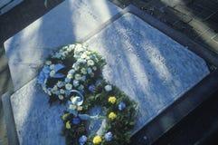 Gravsten på grav av Benjamin Franklin, Philadelphia, PA Arkivbild