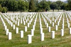 Gravstenar på Arlingtonen Royaltyfria Bilder