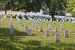 Gravstenar på den Arlington medborgaren Royaltyfria Bilder