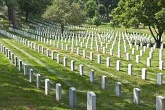 Gravstenar på den Arlington medborgaren Royaltyfria Foton
