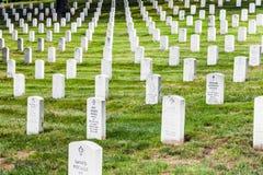 Gravstenar på den Arlington medborgaren Royaltyfri Bild