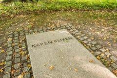 Gravstenen av den berömda danska författaren Karen Blixen arkivfoton