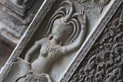 Gravuras da parede de dançarinos do devi em Camboja Imagem de Stock Royalty Free