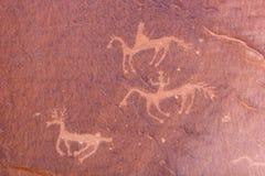 Gravures en oude kunst op canionmuren royalty-vrije stock foto's