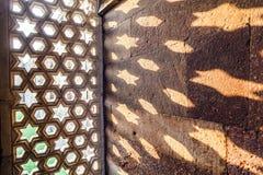 Gravures in Qutub Minar in Delhi, India royalty-vrije stock foto's