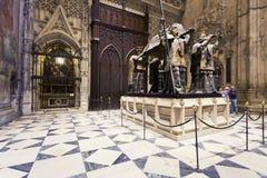 Gravvalv av Cristoforo Colombo i den Seville domkyrkan, Andalusia, royaltyfria foton