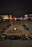 Gravvalv av den okända soldaten, Arc de Triomphe, Paris, December båge Arkivfoton