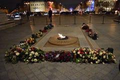 Gravvalv av den okända soldaten, Arc de Triomphe, Paris, December båge Fotografering för Bildbyråer