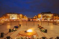 Gravvalv av den okända soldaten på stället Charles de Gaulle, Paris, franc royaltyfri foto