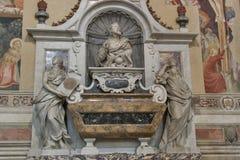 Gravvalv av Galileo Galilei i basilikadi Santa Croce, Florence Royaltyfri Bild
