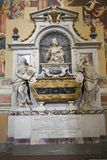 Gravvalv av Galileo Galilei i basilikan av Santa Croce, Florence, Italien, Europa Royaltyfri Fotografi