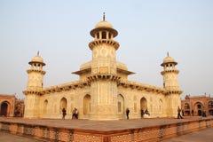 Gravvalv av Itimad, Agra stad, Delhi Indai 2012 Januari, 1st Arkivbild