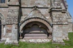 Gravvalv av Thomas Bowater Vernon, Hanbury kyrka royaltyfria bilder