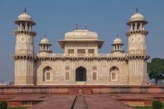 Gravvalv för Itmad-Ud-Daulah ` s - Agra, Indien Arkivbild