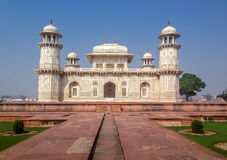 Gravvalv för Itmad-Ud-Daulah ` s - Agra, Indien Arkivfoto
