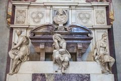 Gravvalv för Michelangelo ` s i basilikan av Santa Croce, Florence fotografering för bildbyråer