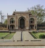 Gravvalvet av Itimad-ud-Daulah eller behandla som ett barn Taj i Agra, Indien Arkivbild
