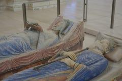 Gravvalvet av Richard Lionhearten & Eleanoren av Aquitaine på kungliga Abbey Fontevraud arkivfoto