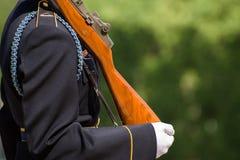 Gravvalvvakter på Arlington den nationella kyrkogården i Washington D C Arkivfoto